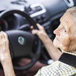 برنامج لتعليم كبار السن تفادي الحوادث أثناء القيادة