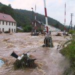الفيضانات تحدد مصير المستشار القادم